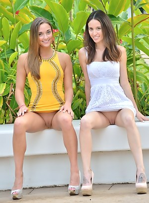 Girls Upskirt Porn Pictures