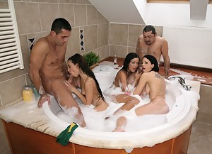 Girls Group Sex Porn Pictures